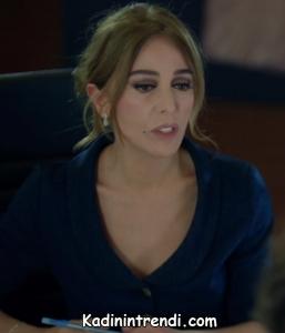 Kara Sevda 48 Bölüm Leyla v yaka mavi elbise markası