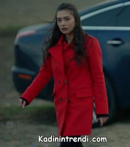 Kara sevda 47 bölüm Nihan kırmızı kaban markası