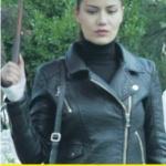 Ölene Kadar 2.bölüm kıyafetleri Selvi siyah deri ceket ve balıkçı kazak