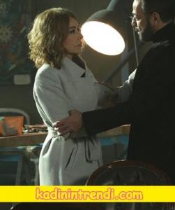 Kara-sevda-51-Bölüm-dizi-kıyafetleri-leylanın bej kabanı