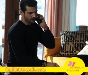 Kara sevda 52 bölüm kıyafetleri Emir'in bisiklet yaka siyah triko kazağı