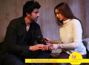 Ölene Kadar 4 bölüm kıyafetleri selvi ekru triko kazak Dağhan kareli gömlek lacivert tişört ve jean pantolon