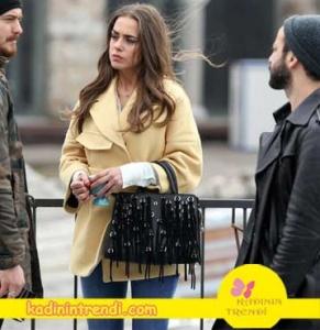 İçerde-22-bölüm-dizi-kıyafetleri-Bengü-soral-içerde-melek-sarı-kaban-markası