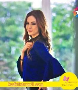 Paramparça-89-Bölüm-kıyafetleri-Asuman'ın-Giydiği volanlı haki bluz markası Lepeplos.