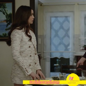 Ölene-Kadar-9-bölüm-kıyafetleri-Sevalin-giydiği kırçıllı krem rengi ceket Sorbe marka