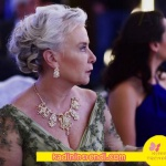 İstanbullu Gelin 3 bölümde Faruk un annesi Esma Sultanın giydiği elbise Akay marka