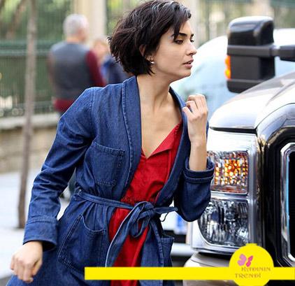 Cesur ve Güzel Sponsorları 20.Bölüm Sühan'ın mavi kot Rençkotu ve kırmızı elbisesi.