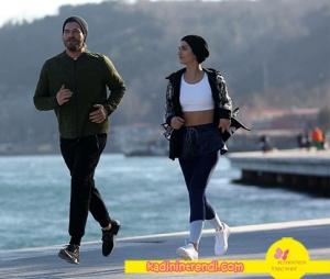 Cesur ve Güzel dizisinde Kıvanç ve Tuba sahilde koşarken giydikleri spor kıyafetleri çok beğenildi işte Sühanın ayakkabısı Nike marka