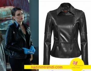 Kar sevda Dizisinin son bölümünde yeni gelen kadın Komiser Mercan'ın siyah deri ceketi