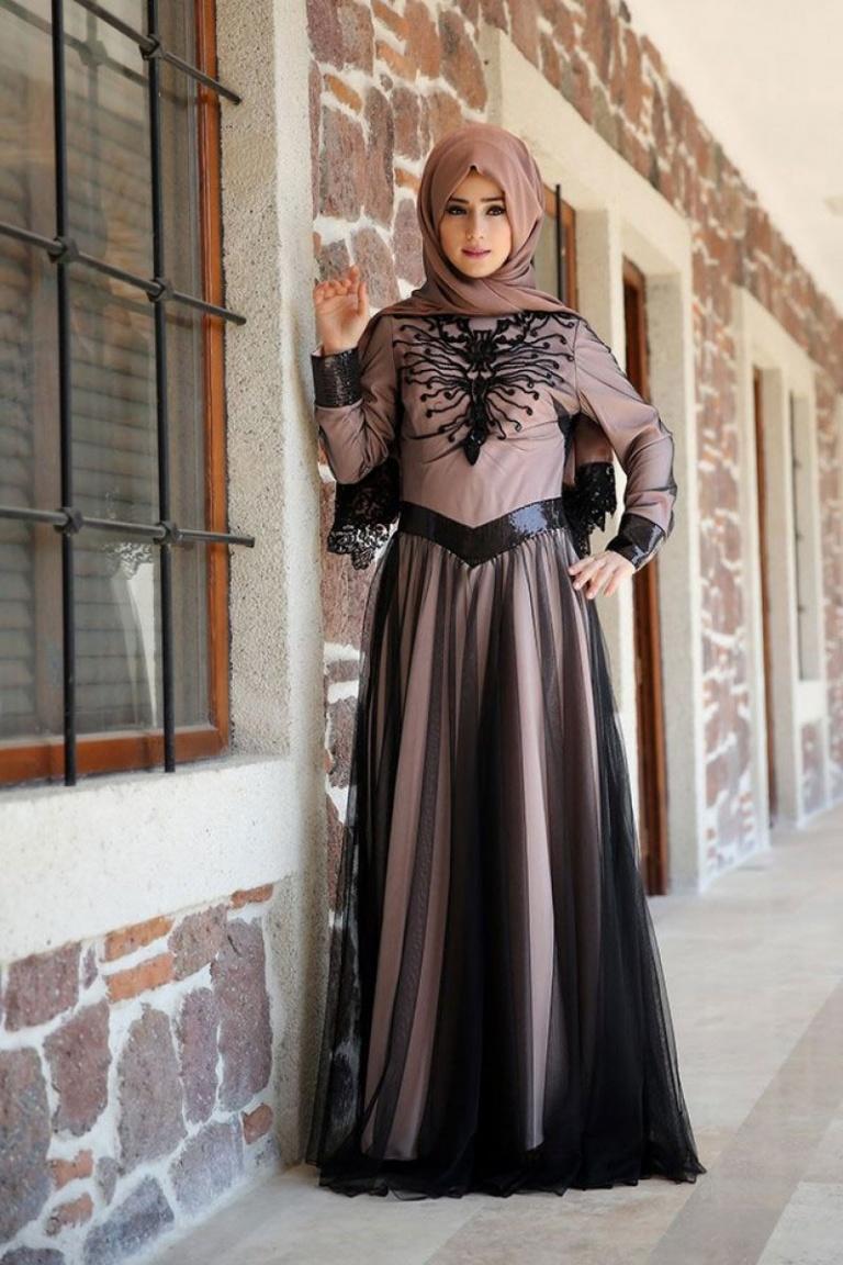 Zehrace Yeni Dönemde de Bir Adım Önde – Zehrace Elbise Modelleri