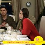 İstanbullu Gelin Faruk haki gömlekNetwork Süreyya sırtı açık kırmızı triko kazak Boyner