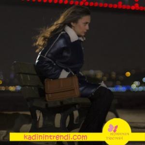 Aşk-ve-Gurur-5-Bölüm-Kıyafetleri--Zeynep-Siyah deri kaban ve zeynep kahve rengi çanta