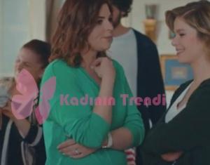 Hayat Şarkısı Zeynep V yaka yeşil bluzu İpek Yol