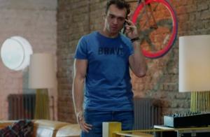 Dolunay 3. bölümde Deniz'in giydiği mavi Tişört