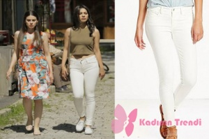 Rüya 1. bölümde Elif'in giydiği beyaz pantolon markası Levis.