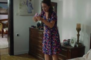 Rüya 5. bölüm Gülendam çiçekli lacivert elbise görseli