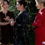 Ufak tefek Cinayetler dizisi kıyafetleri Merve lacivert elbise Twist