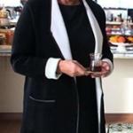 Çukur Dizi Kıyafetleri 6. Bölüm perihan Savaş siyah beyaz hırka koton marka