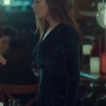 İstanbullu Gelin Begüm Kıyafetleri. Begüm kruvaze kadife elbise markası Ekol