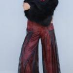 Şevkat Yerimdar son bölümde Esin Başak Parlakın giydiği deri detaylı pantolon Çiğdem Akın marka Esin siyah kürk kollu Sweatshirt Atölye no 6 marka