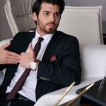 Ferit karakteri Can Yaman siyah takım elbise Chacharel marka