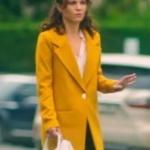 Ufak Tefek Cinayetler Arzu karakterinin giydiği sarı kaban markası Forever New