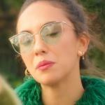 Ufak Tefek Cinayetler Burcu güneş gözlük turkuaz optil Burcu küpe ve burcu kolye markaları a
