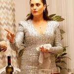 Ufak Tefek Cinayetler Merve gümüş rengi elbise markası Juİstanbul