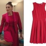 Ufak Tefek Cinayetler Merve'nin giydiği kırmızı elbise markası H&M