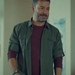 İstanbullu Gelin dizi kıyafetleri 8. Bölüm Can haki gömlek bordo tişört
