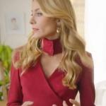 Ufak Tefek cinayetler son bölüm kıyafetleri Pelin yaka detaylı kırmızı bluzu Ceren Ocak markadır