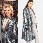 Dolunay dizi kıyafetleri Demet'in tutuklanırken giydiği deri detaylı kabanın markası Pınar Tekgöz