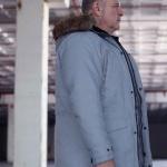 Çukur Kıyafetleri 15. Bölüm Beyefendi kapşonlu gri montun markası Jack Jones
