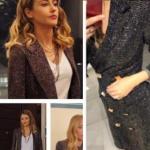 Fazilet Hanım ve Kızları son bölüm kıyafetleri Nil Simli mürdüm rengi ceket markası Esra Gürses